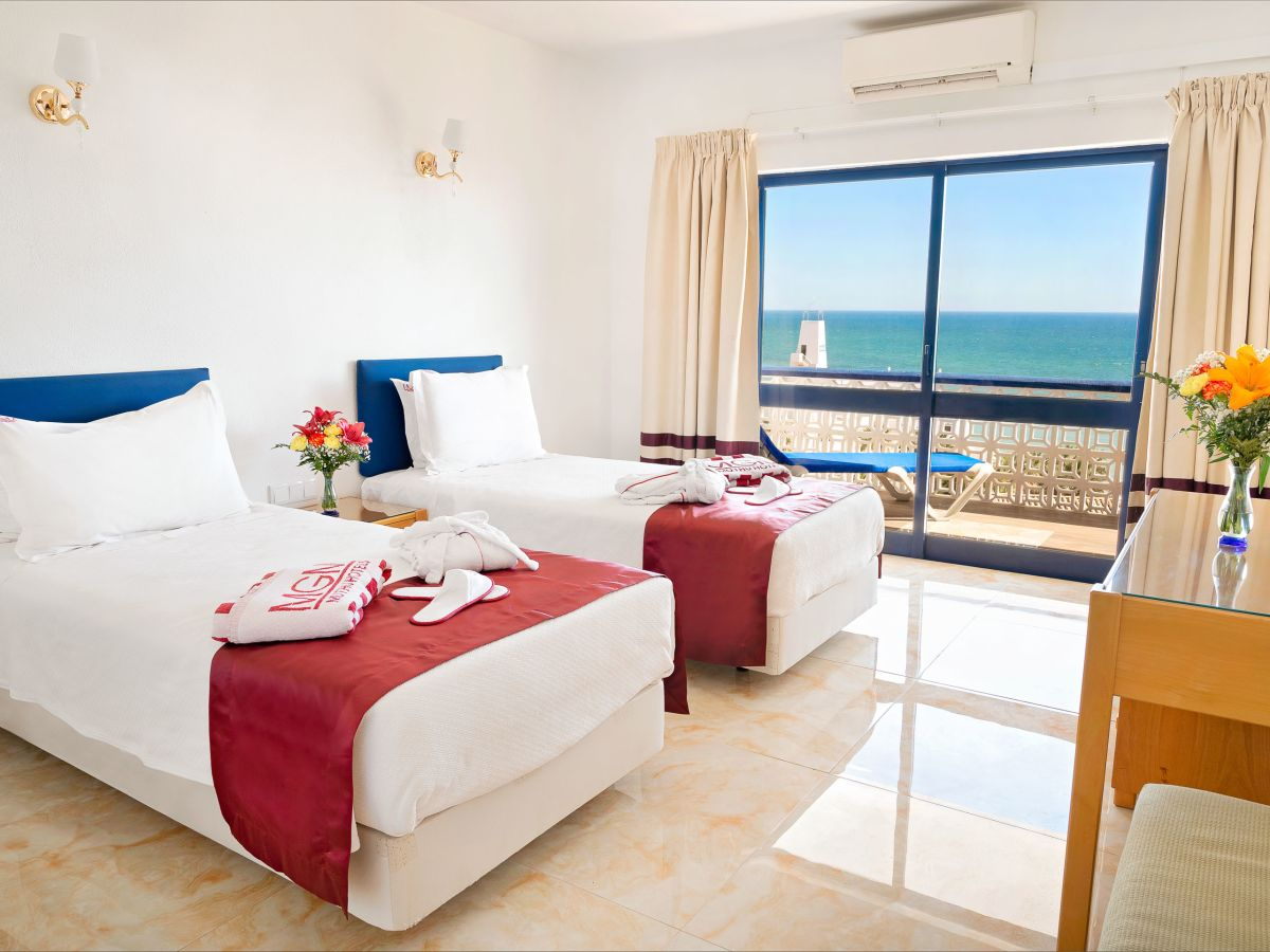 Premier One Bedroom Sea or Pool View Apartment